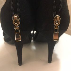 Suede Open toe heels, with fringe detail!